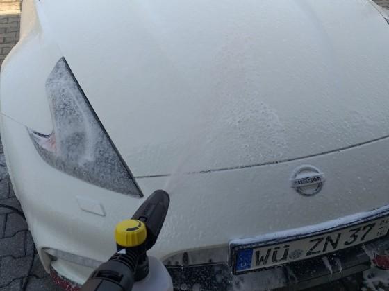 Nismo gets a foam wash :)
